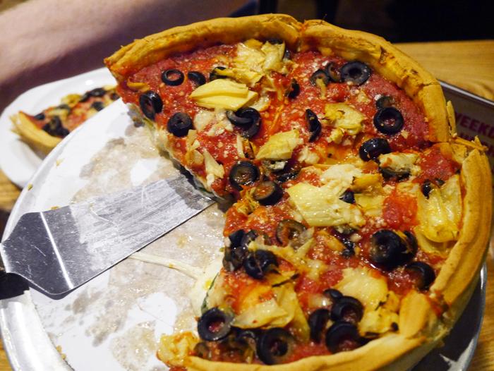 Stuffed crust pizzeria in Chicago