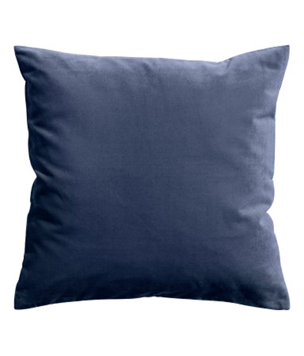 blue-velvet-cushion