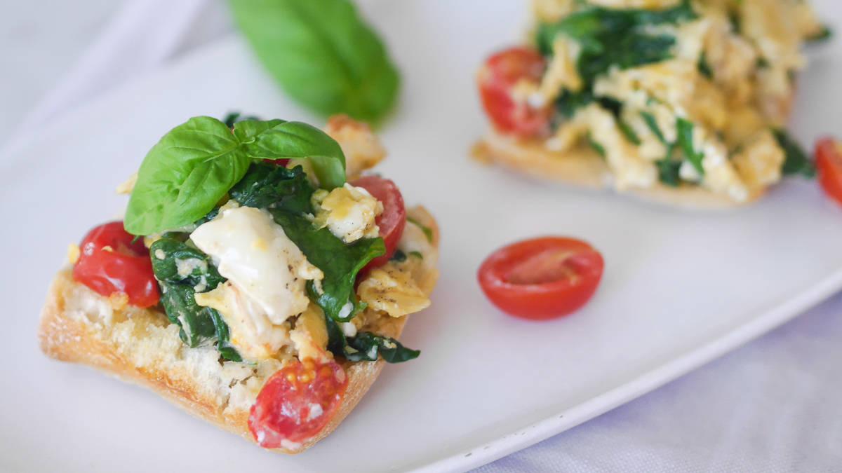 breakfast recipes - scrambled eggs-12