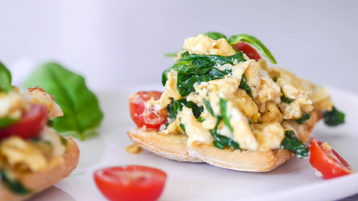 breakfast recipes - scrambled eggs-5