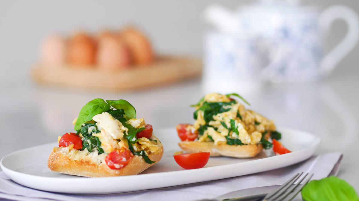 breakfast recipes - scrambled eggs-6
