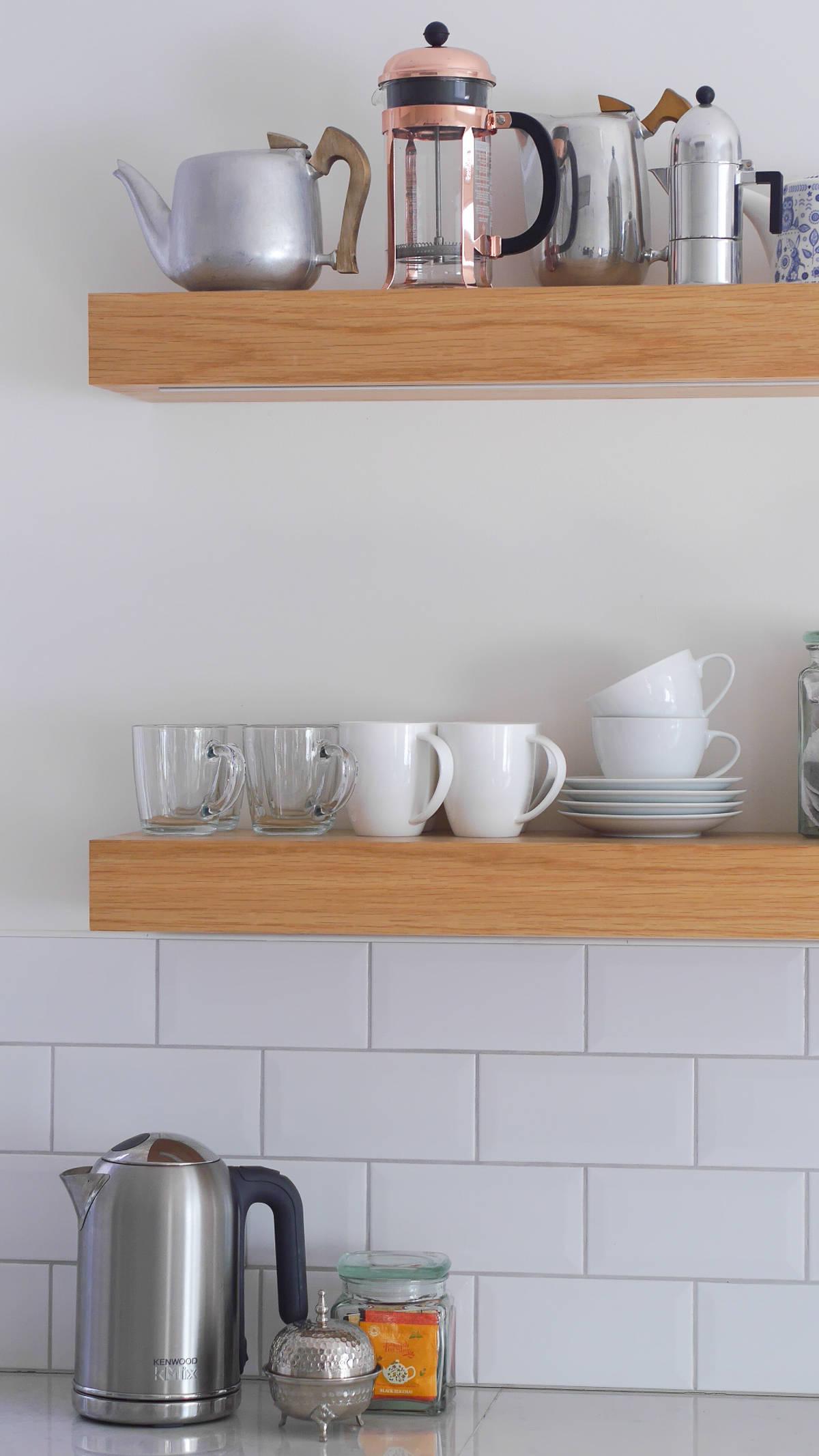 3 ways to style open kitchen shelves
