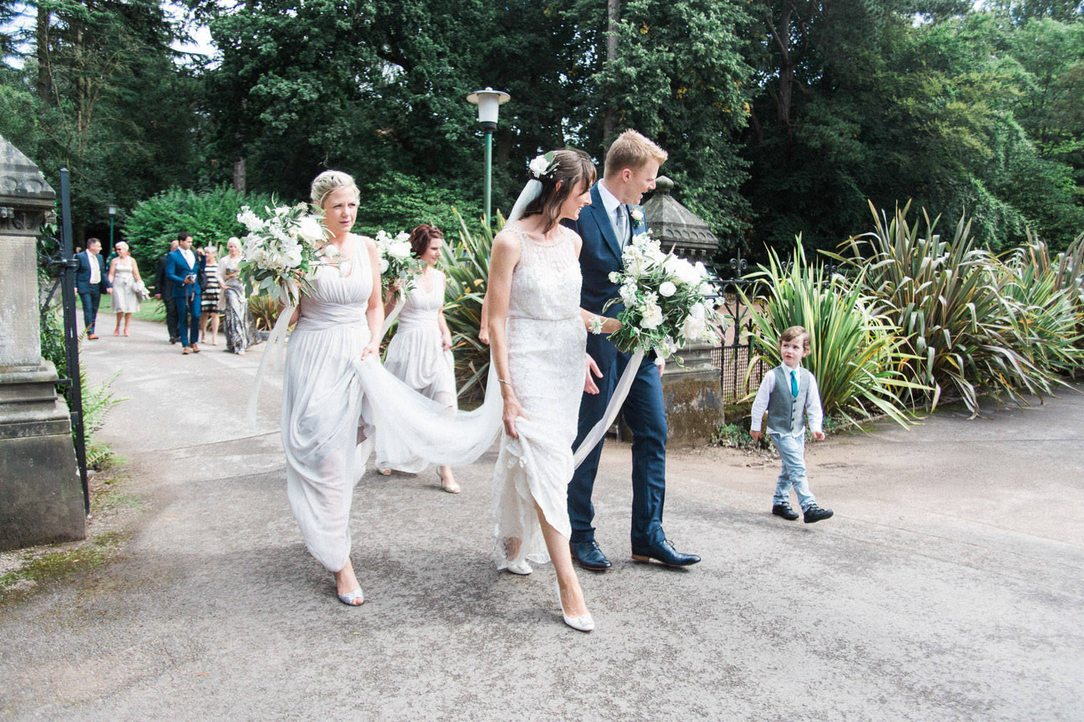 lifestyle-blogger-claire-wainwright-of-the-green-eyed-girl-shares-her-wedding-30
