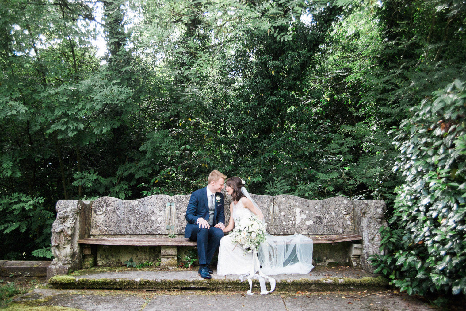lifestyle-blogger-claire-wainwright-of-the-green-eyed-girl-shares-her-wedding-45