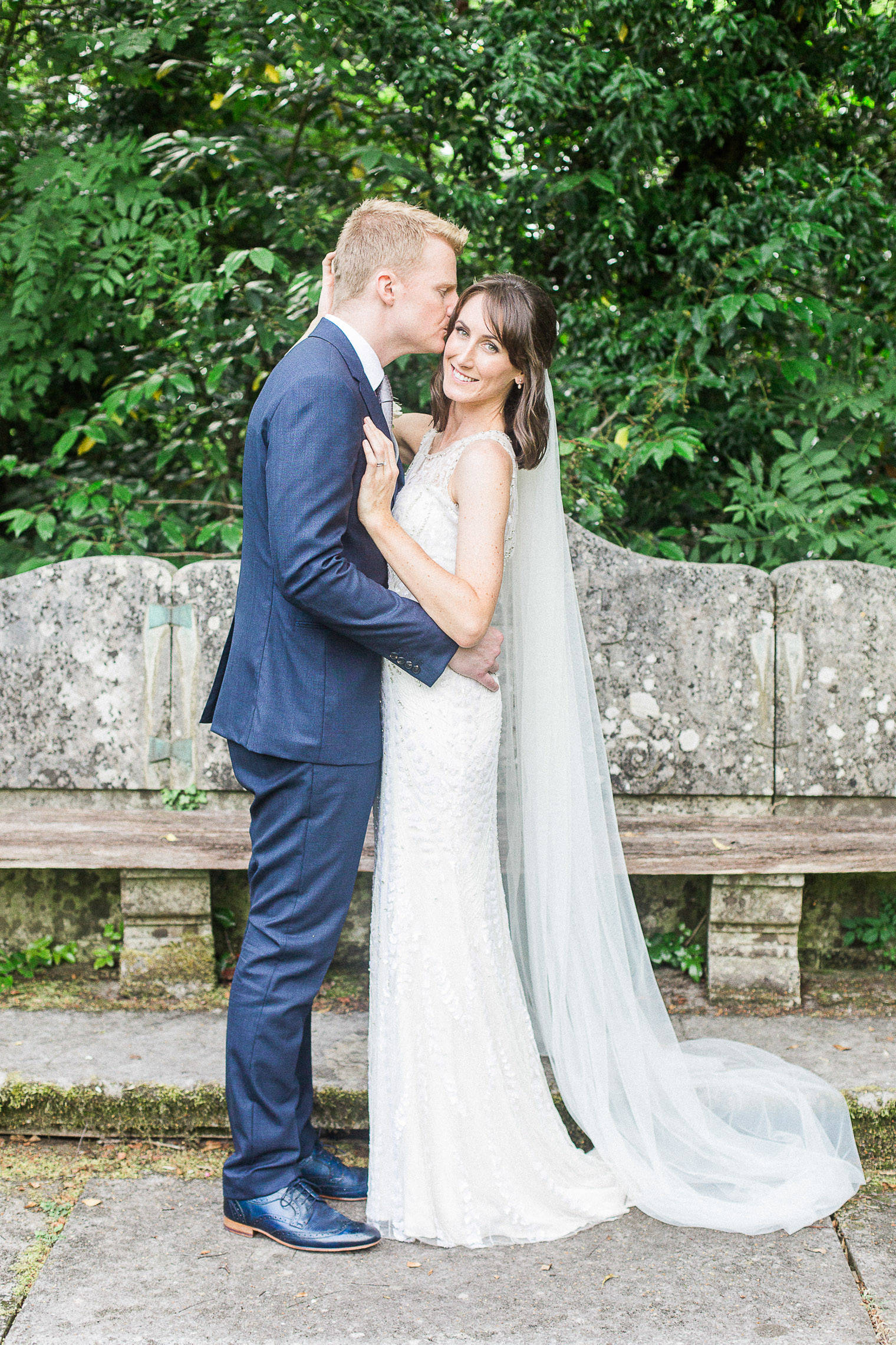 lifestyle-blogger-claire-wainwright-of-the-green-eyed-girl-shares-her-wedding-49