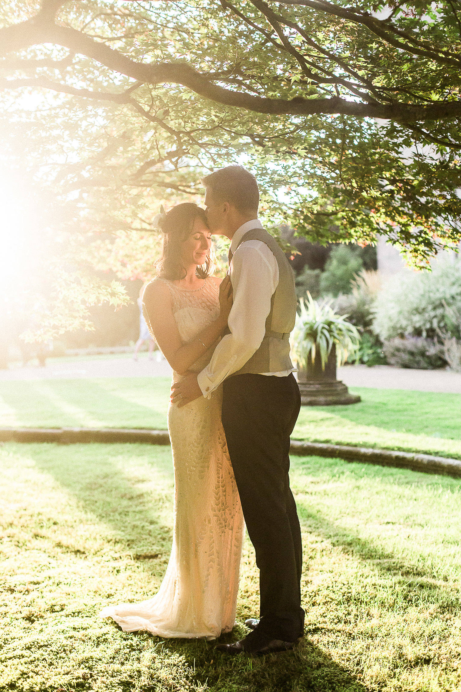 lifestyle-blogger-claire-wainwright-of-the-green-eyed-girl-shares-her-wedding-63