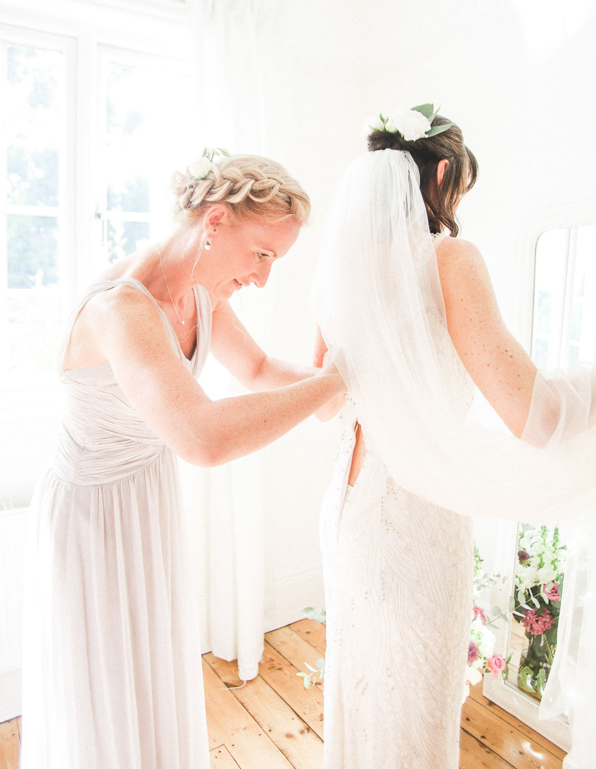 8 tips to help you find the perfect wedding dress 5
