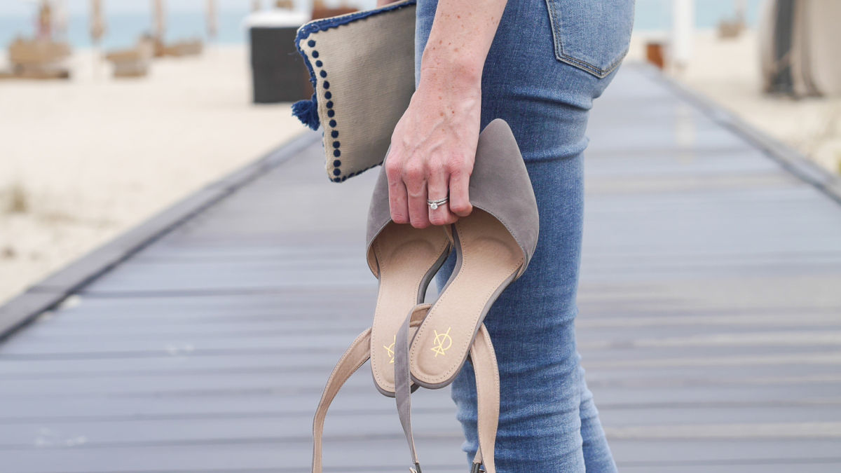 Grey heels and frills for a relaxed date night in the desert