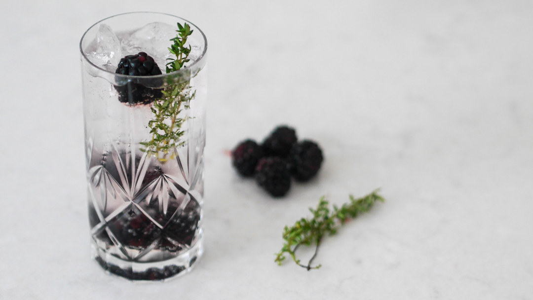 3 ways to elevate your everyday gin and tonic - blackberry and thyme