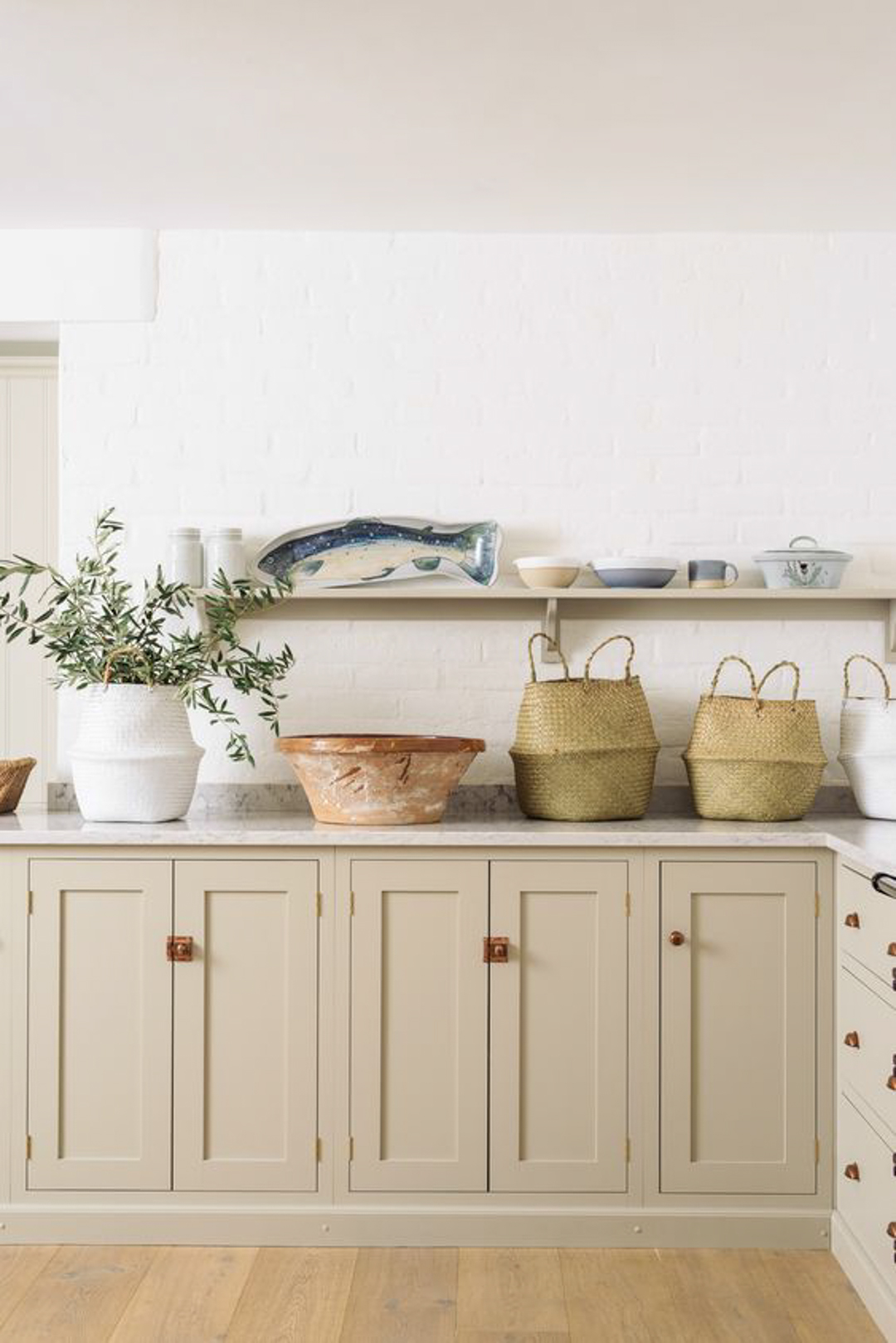 Beige interiors - natural coloured DeVOL kitchen