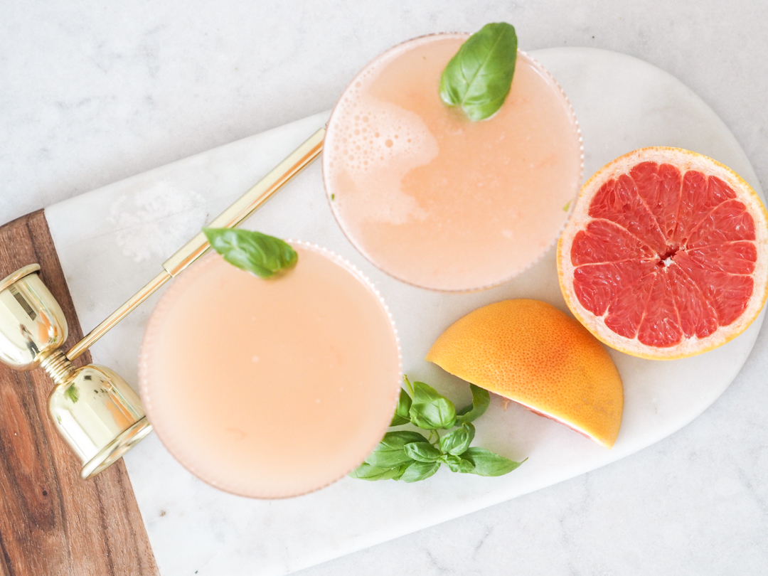 Grapefruit and basic cocktail / mocktail recipe