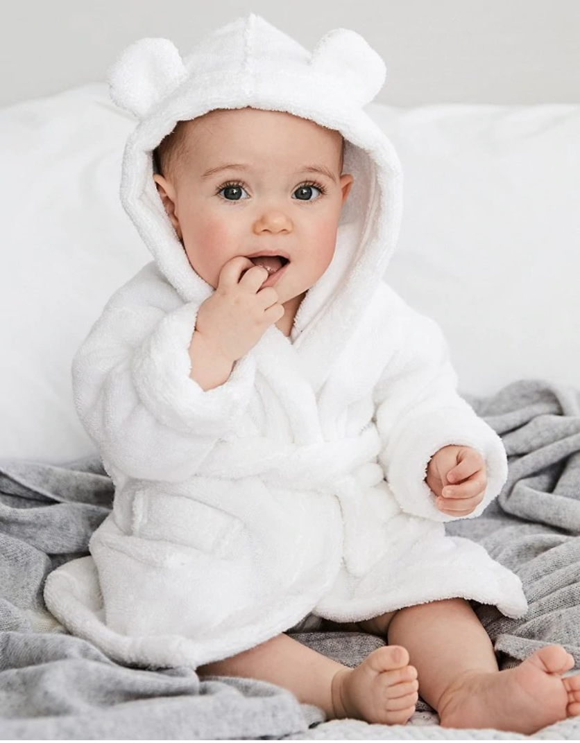 Newborn shopping list essential - Baby bath robe